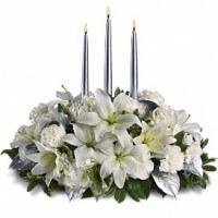 Silver-elegance-white-centerpiece